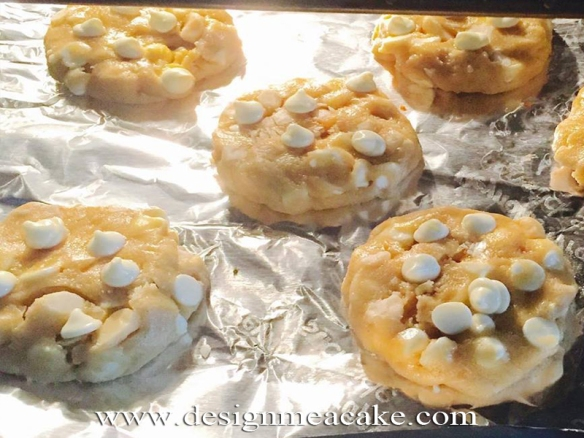 Baking Macadamia Nut & White Chocolate Cookie Recipe