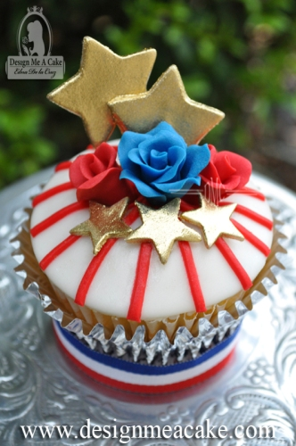 Roses, stripes and Stars cupcake. 4th of July Celebration